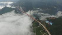 Penampakan Jembatan Tertinggi di Dunia yang Baru Selesai di China