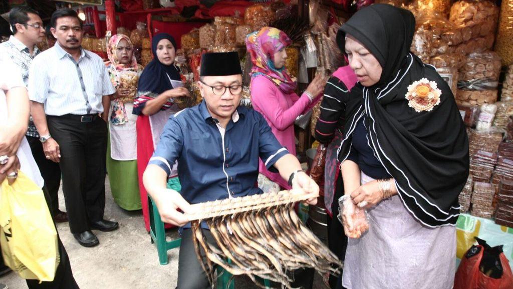 Ketua MPR Roadshow ke Sumbar: Hadiri Pembangunan Masjid hingga Goreng Keripik