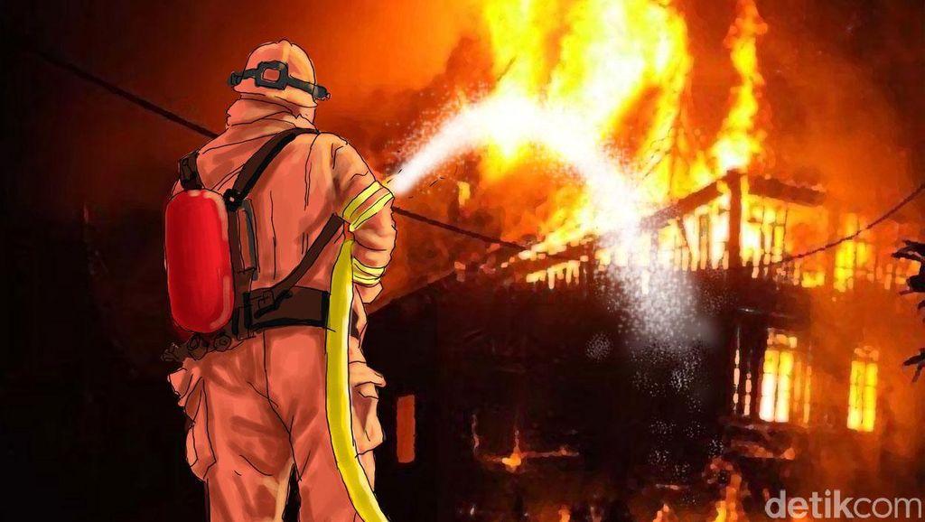 Kebakaran di Komplek Polri Ciracas, 12 Damkar Dikerahkan