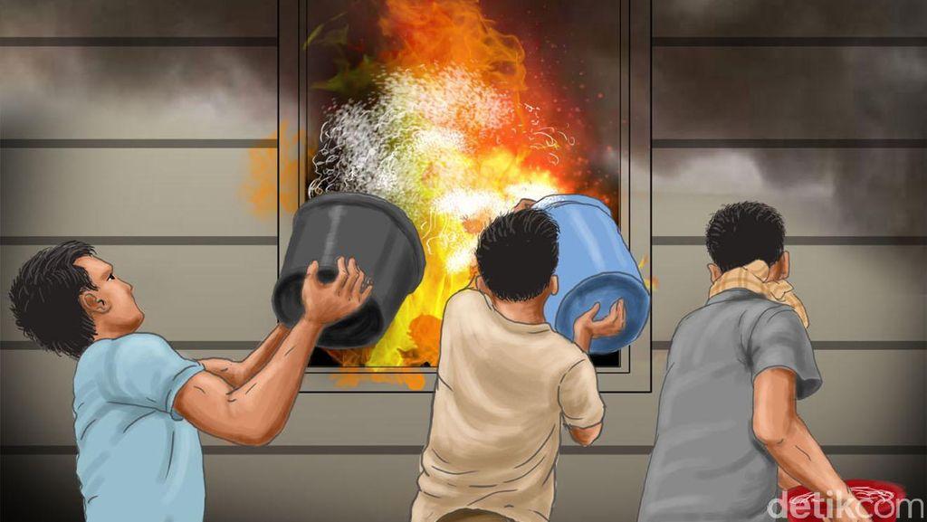 Rumah Semi Permanen Terbakar di Jaktim, 2 Unit Damkar Dikerahkan