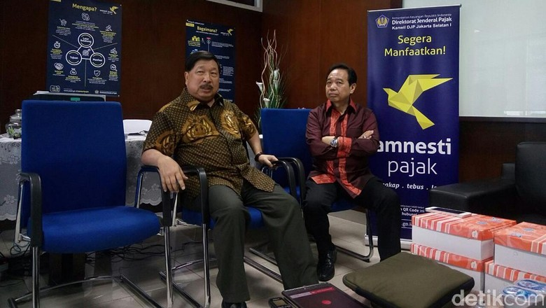 Tanya Info Tax Amnesty, Johnny Darmawan Datangi Kantor Pusat Pajak