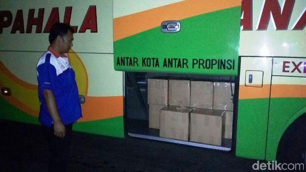 Modus Baru Penyelundupan Arak Bali Dititipkan Bus Eksekutif