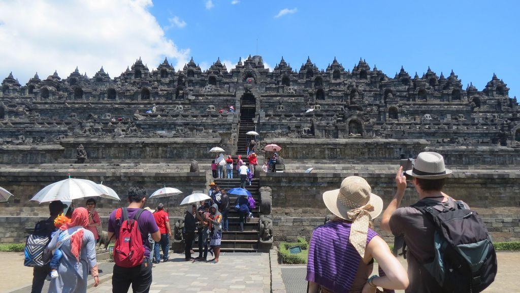 Ini Kata Turis Candi Borobudur Soal Aksi Bela Rohingya