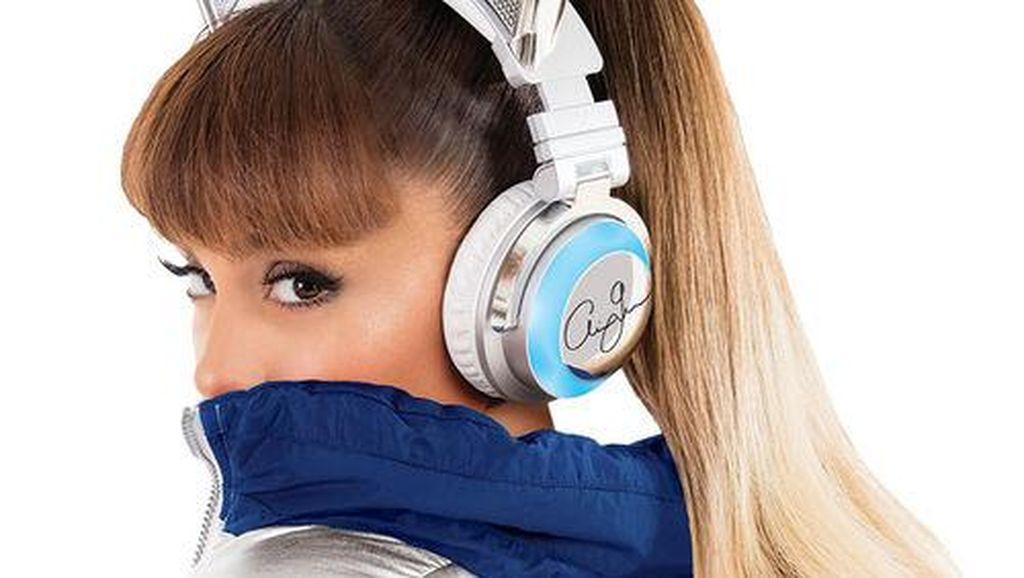 Ariana Grande Histeris Dengar 19 Orang Tewas Akibat Ledakan di Manchester