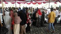 168 Jemaah Haji Tiba di Pangkalpinang, Disambut Haru Keluarga