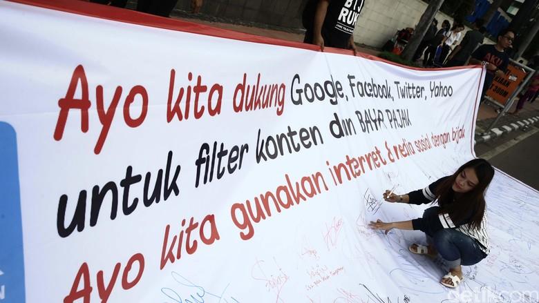 Aksi Minta Google Membayar Pajak