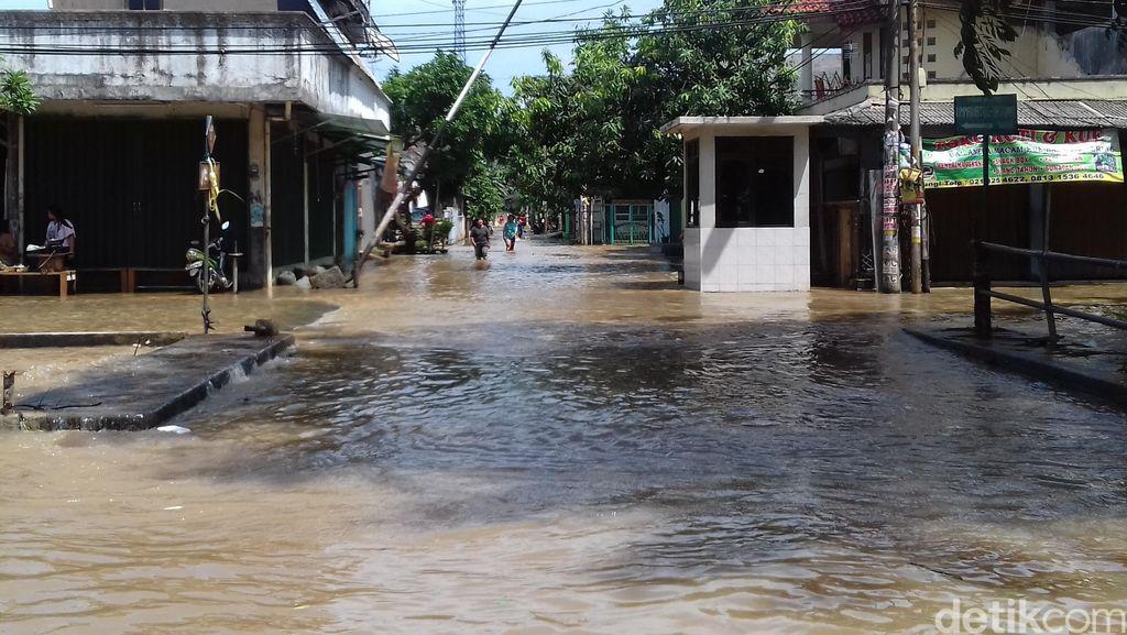 BNPB: Banjir, 1 Orang Tewas dan 279 Lainnya Mengungsi di Bekasi