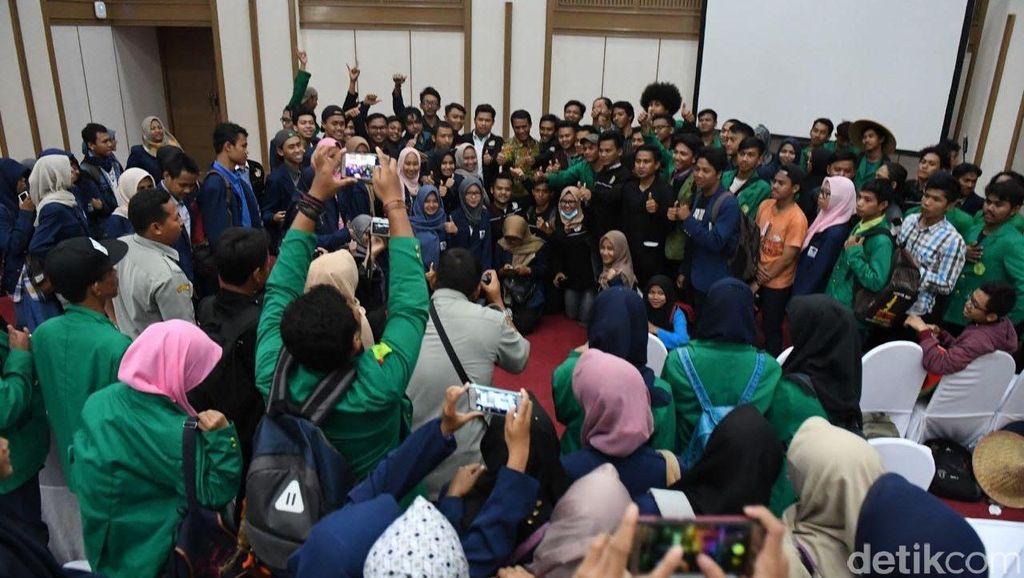 150 Mahasiswa Datang ke Kantor Amran Bahas Soal Irigasi Hingga Distribusi Pupuk