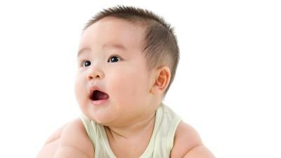 Manfaat Buat Anak Saat Ia sedang Senang-senangnya Bercermin