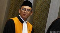 Hakim Agung Salman Luthan dan Ketukan Palu Senilai Rp 185 Miliar