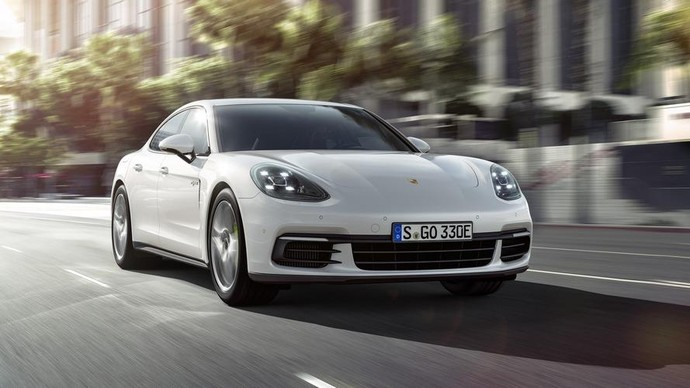 Porsche Kenalkan Panamera 4 E-Hybrid di Paris
