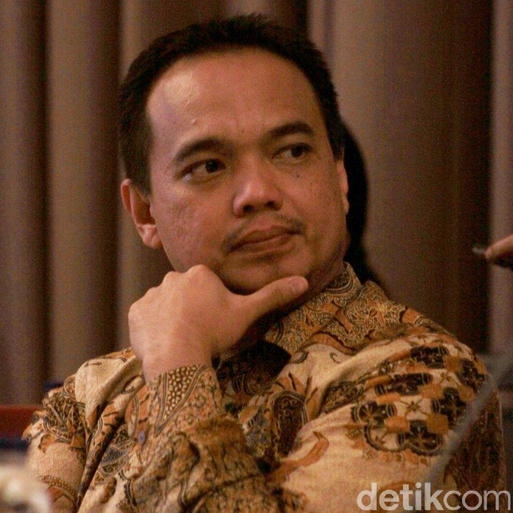 Asep Rahmat Fajar Dimata Denny Indrayana: Sahabat Dua Dekade