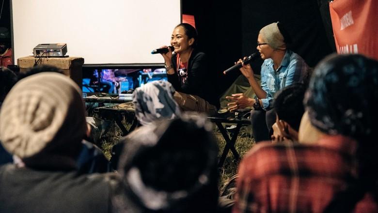 dr Ratih saat memberikan materi traveling dalam acara Aksa 7 Bootcamp Bali (dok Aksa 7 Bootcamp Bali)