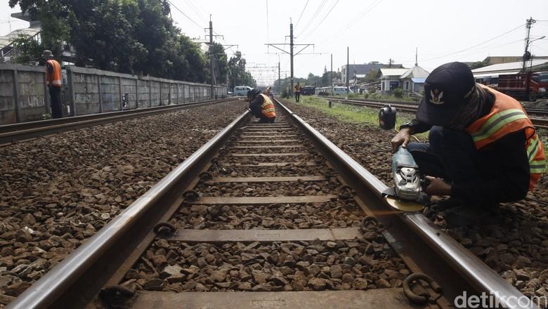 Ini Rel Mati Peninggalan Belanda yang Diaktifkan Jokowi Hingga 2019