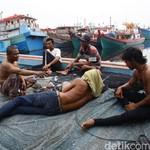 Susi Minta Bantuan Marinir Rombak Pelabuhan Nelayan yang Kumuh dan Bau