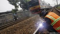 PT KAI Tingkatkan Perawatan Rel Kereta Api