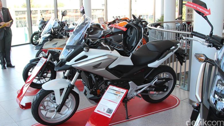 Transportasi Umum yang Baik Tak Bikin Industri Sepeda Motor Terusik