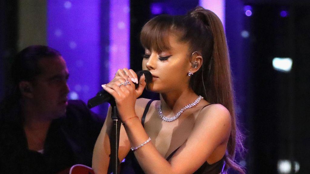 Pasca Ledakan Manchester, Ariana Grande Tunda Sebagian Jadwal Tur