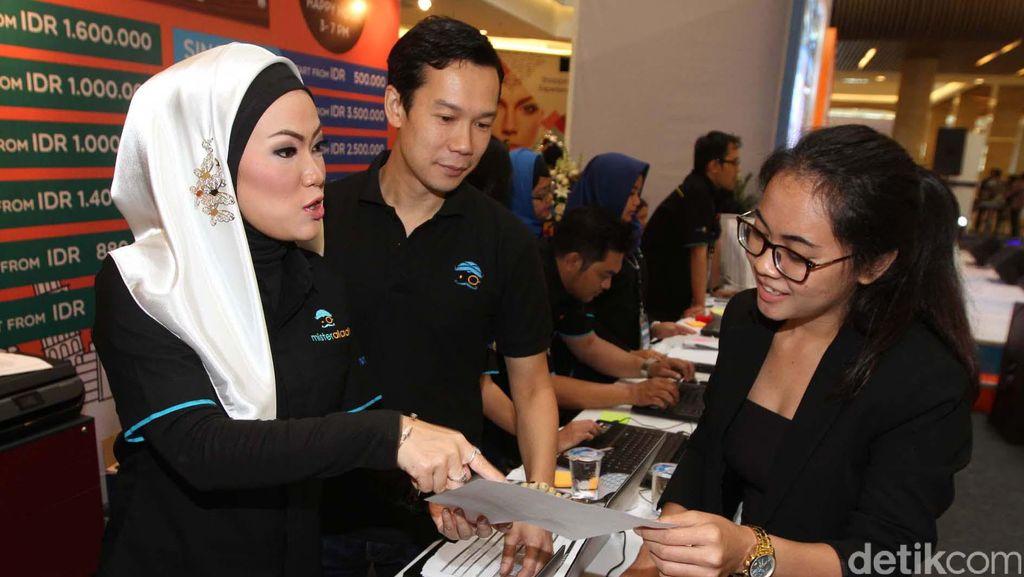 Bisnis Travel Fair Online