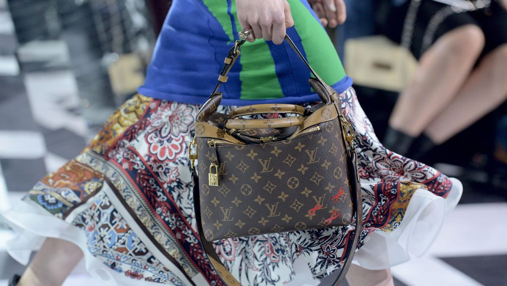 Rilis Baju Monogram LV, Supreme Kolaborasi dengan Louis Vuitton?