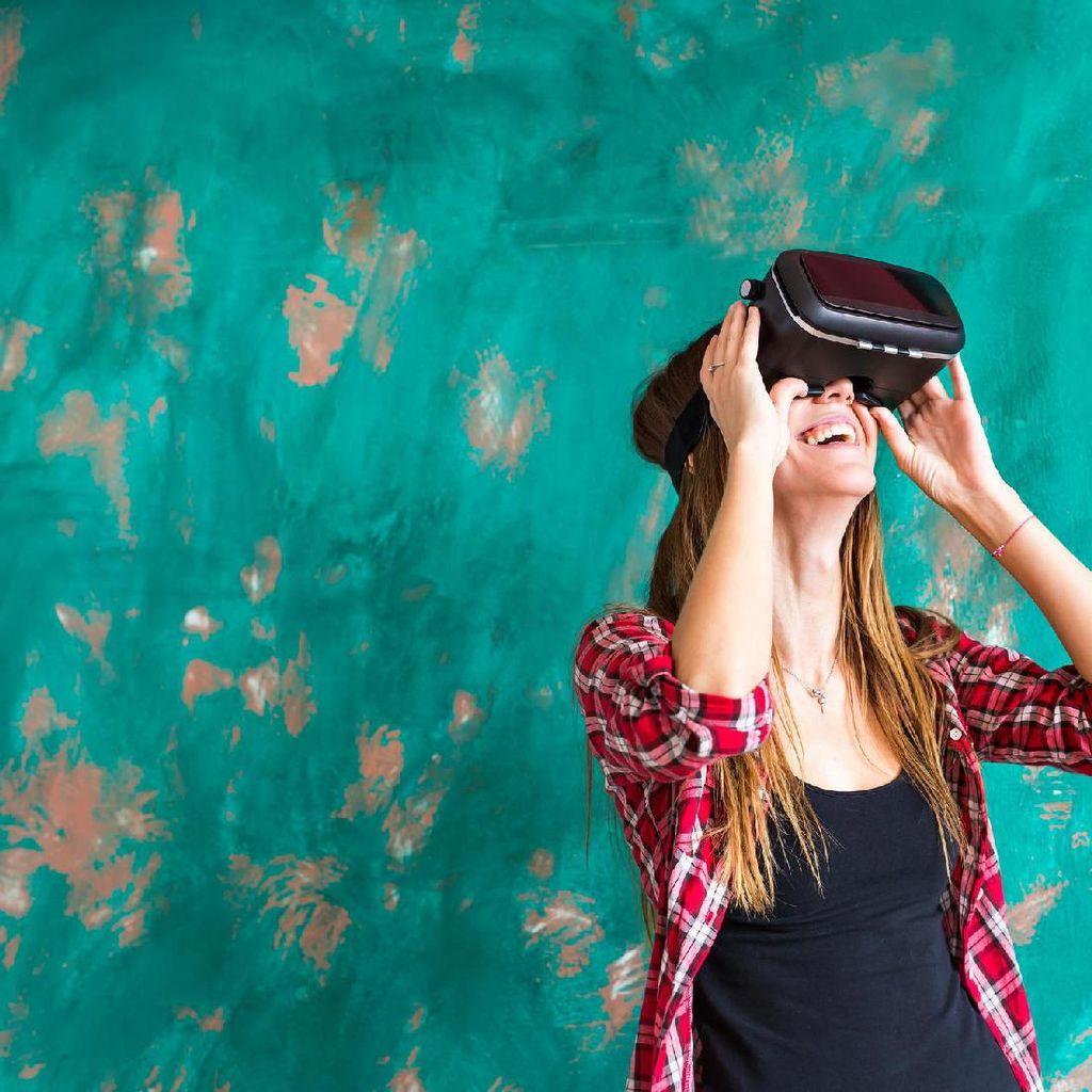 Ahli Kesehatan Mata Peringatkan Dampak Menggunakan VR