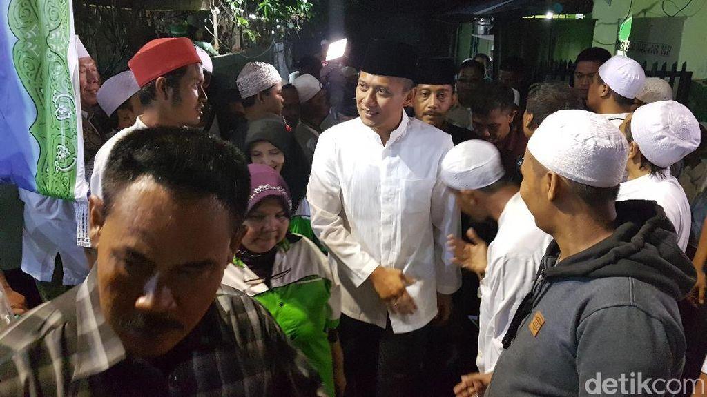 Jelang Tengah Malam, Agus Yudhoyono Hadiri Majelis Zikir di Senen