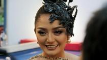 Beli Mobil Sport, Siti Badriah Minta Pelat Khusus