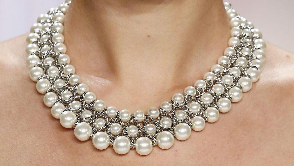 Tren Sosialita New York, Pakai Perhiasan Palsu Harga Ratusan Juta Rupiah
