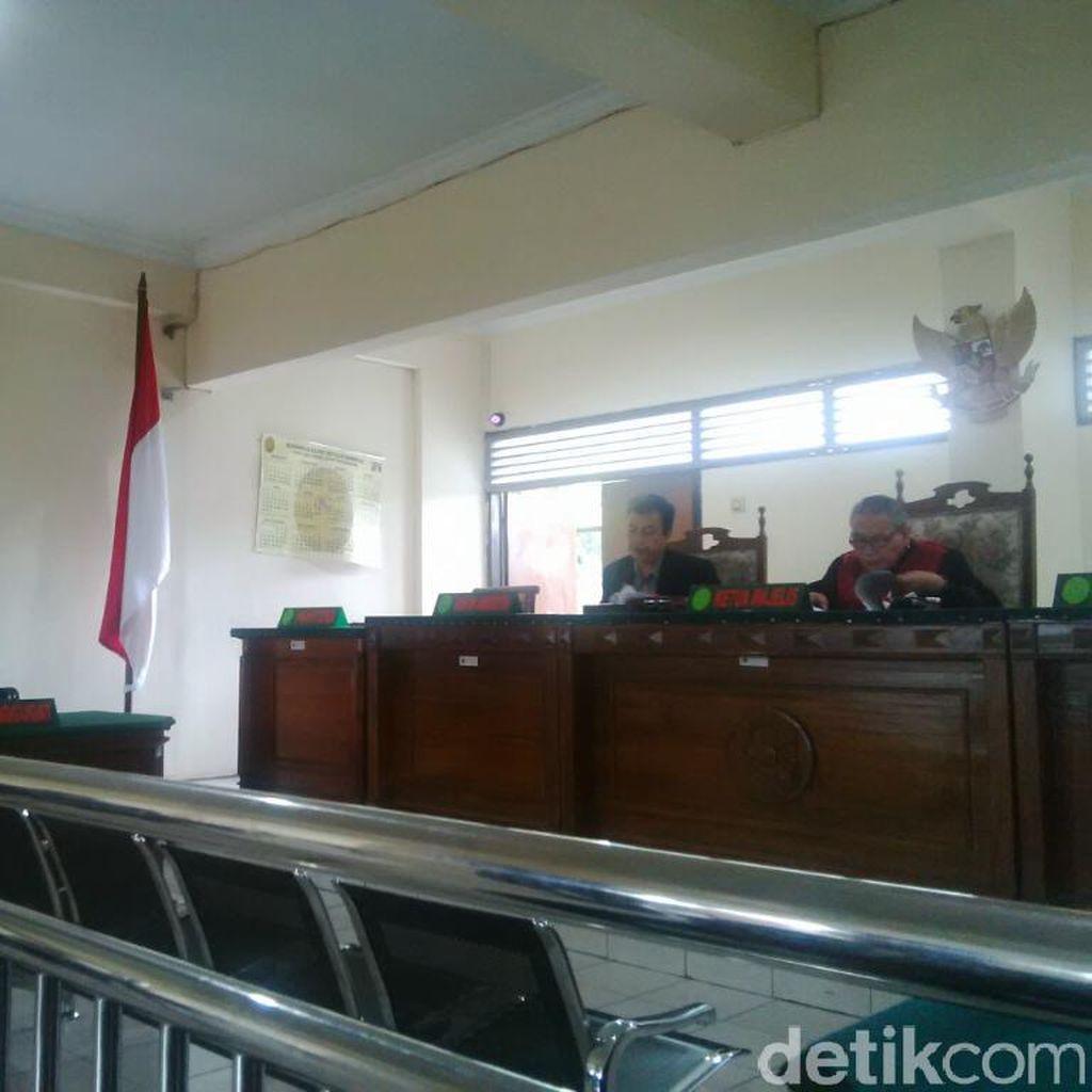 Tersangka Pemilik Ribuan Rokok Tanpa Cukai Menangi Praperadilan di PN Semarang