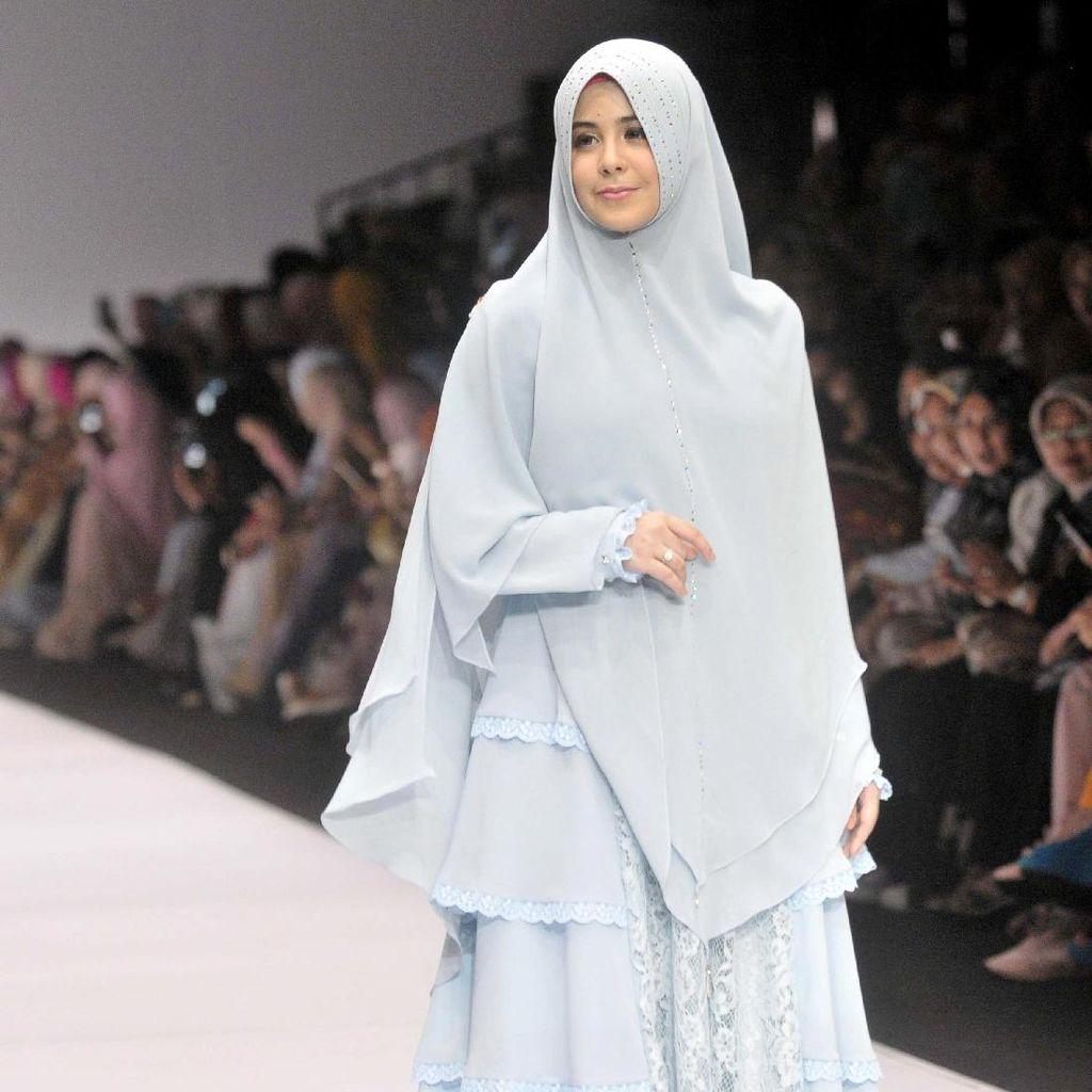 Beredar Foto Risty Tagor Lepas Hijab, Mulan Jameela Komentari Foto Dhani-Maia