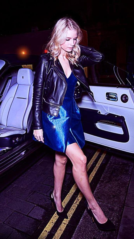 Lottie Moss dan Rolls-Royce Dawn