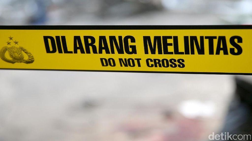 Polisi Geledah Rumah Istri Terduga Teroris di Sukabumi