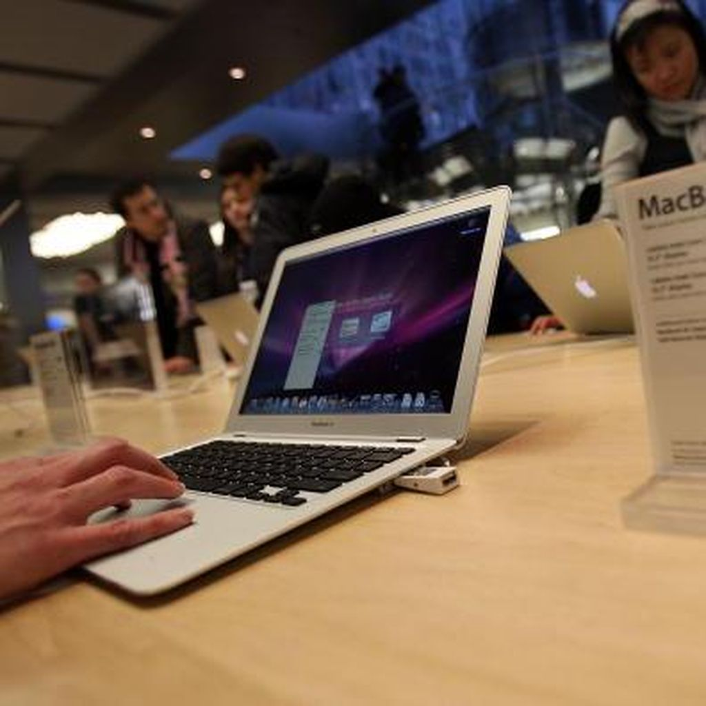 Macbook Terkunci di Lost Mode, Kena Hack?