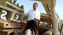 Pakai Mobil Klasik di Pawai Kampanye Damai, Anies: Ini Seperti Jakarta