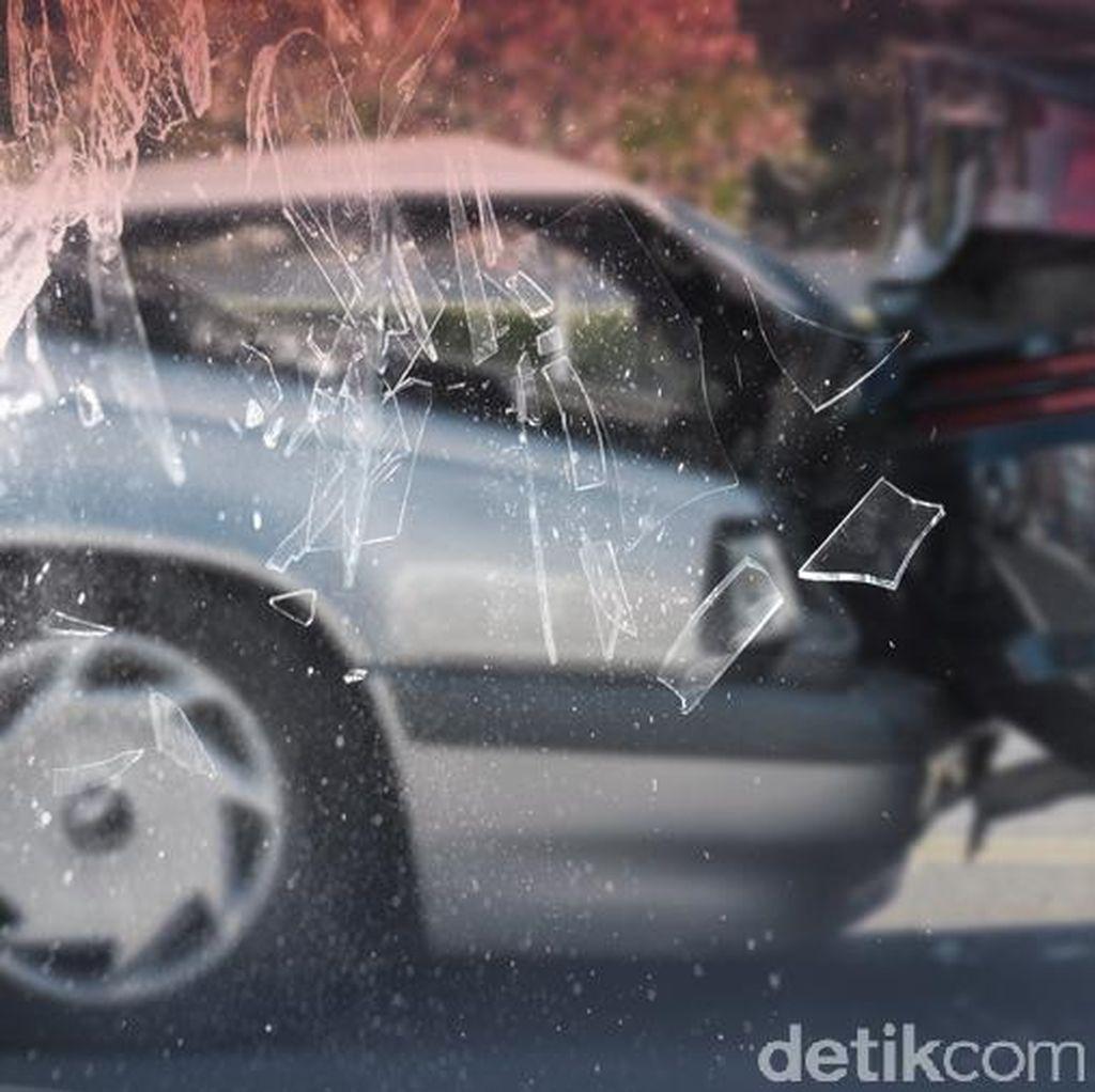 Truk Tangki Pertamina dan Minibus Terlibat Kecelakaan di Tol Merak