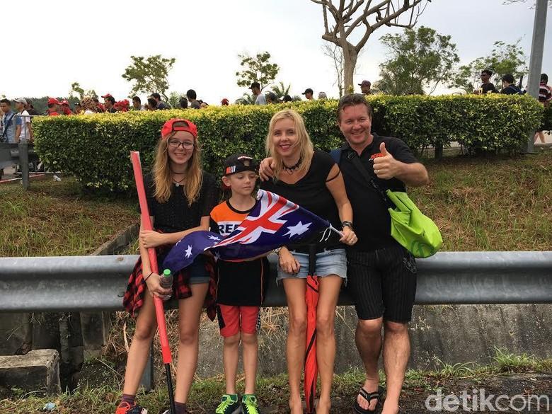 Bule Australia Ini Lebih Senang Nonton MotoGP di Sepang Ketimbang di Phillip Island