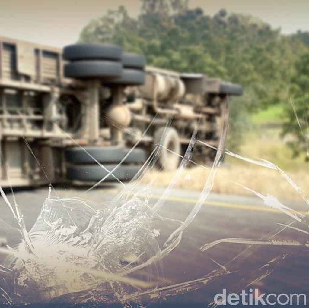 2 Truk Kecelakaan di Tol Jakarta-Tangerang arah Merak