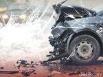 Dua Mobil Mercy Alami Kecelakaan di Gatot Subroto