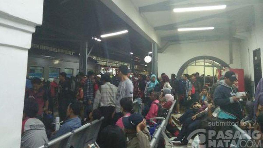Kereta Anjlok di Subang, KAI: Perjalanan Kereta Berangsur Normal