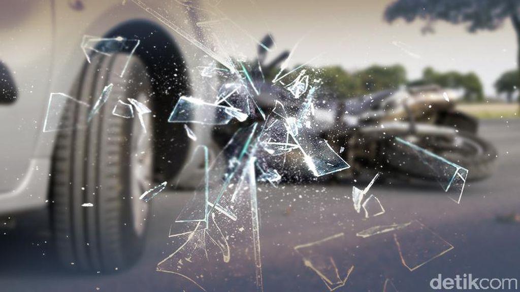 2 Mobil Kecelakaan di Tol JORR