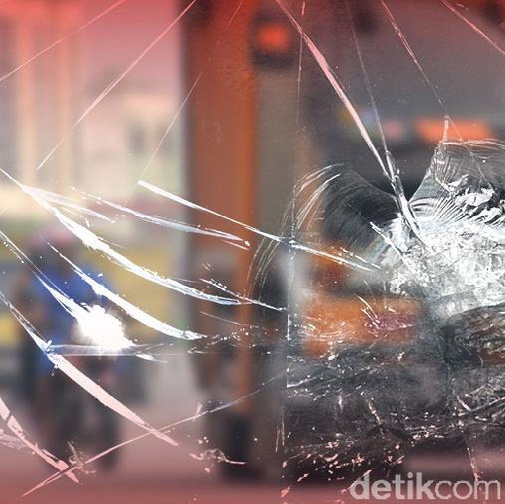 Kecelakaan Truk di Tol Cikarang arah Cikampek, Lalin Macet 2 Km