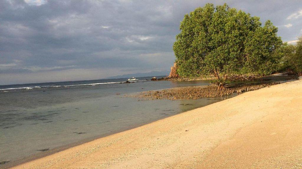 Foto Bangko Bangko, Satu Lagi Pantai Perawan di Lombok Barat