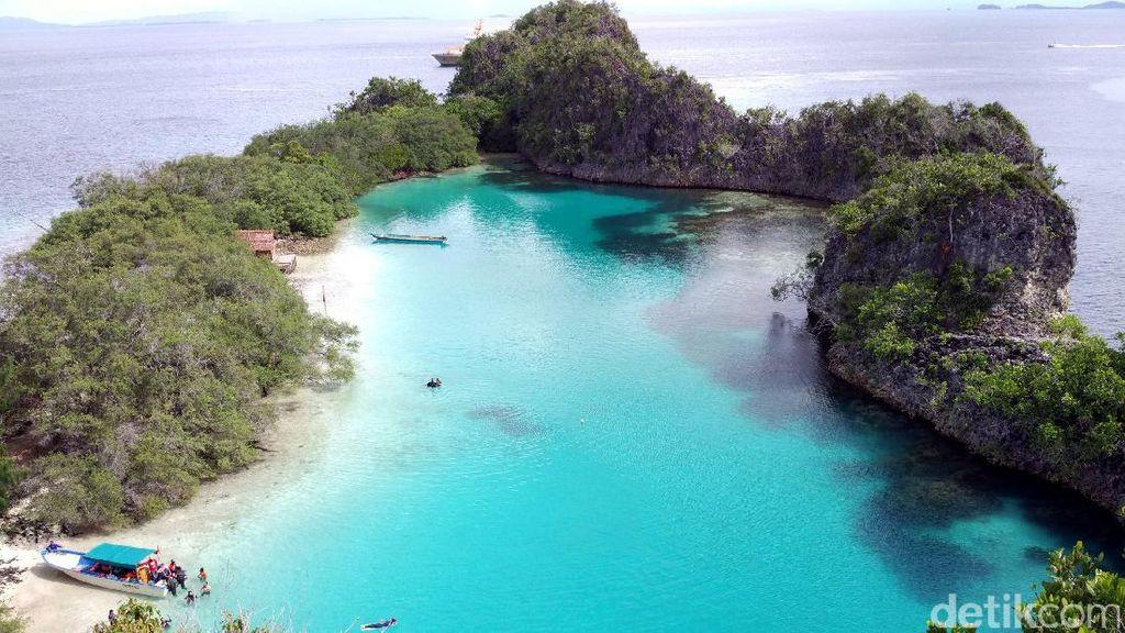 Satu Lagi Keajaiban Alam dari Raja Ampat, Laguna Cantik Pulau Rufas