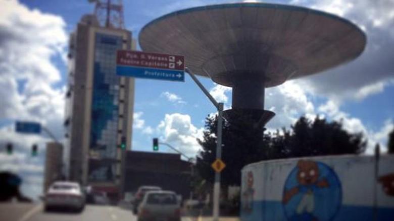 Menara UFO di Kota Varginha, Brasil (Fernando Sousa Silva/Instagram)