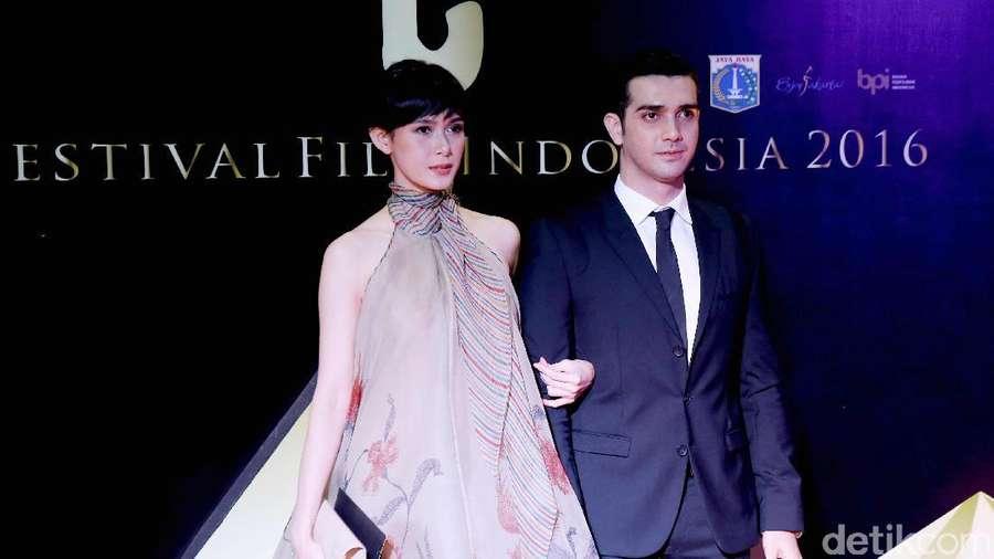 Pesona Para Pasangan Selebriti di FFI 2016