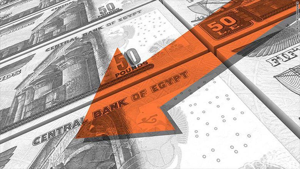 Mata Uang Mesir Anjlok 48%