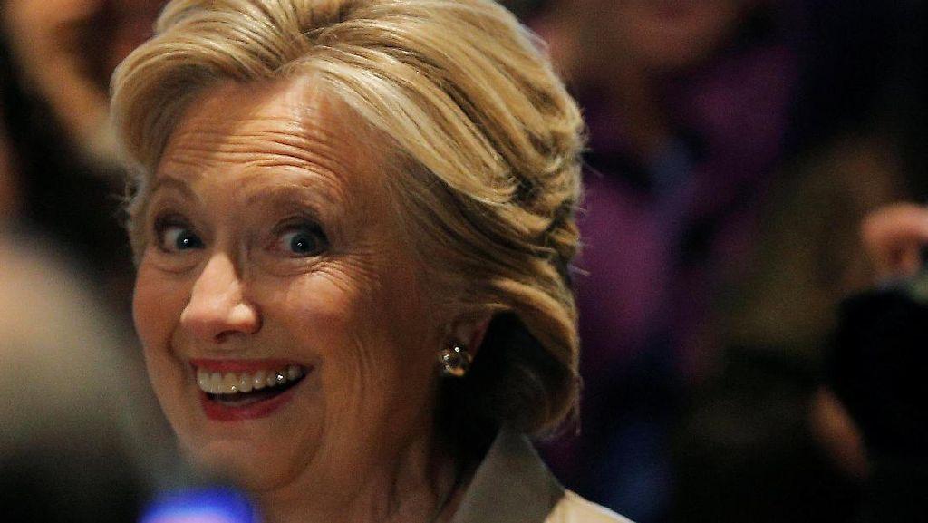Saat Hillary dan Tim Kampanyenya Lakukan #MannequinChallenge