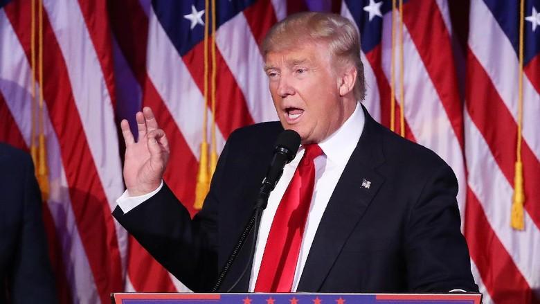 Bantah Soal Video Tonton PSK, Trump: Itu Semua Berita Palsu!
