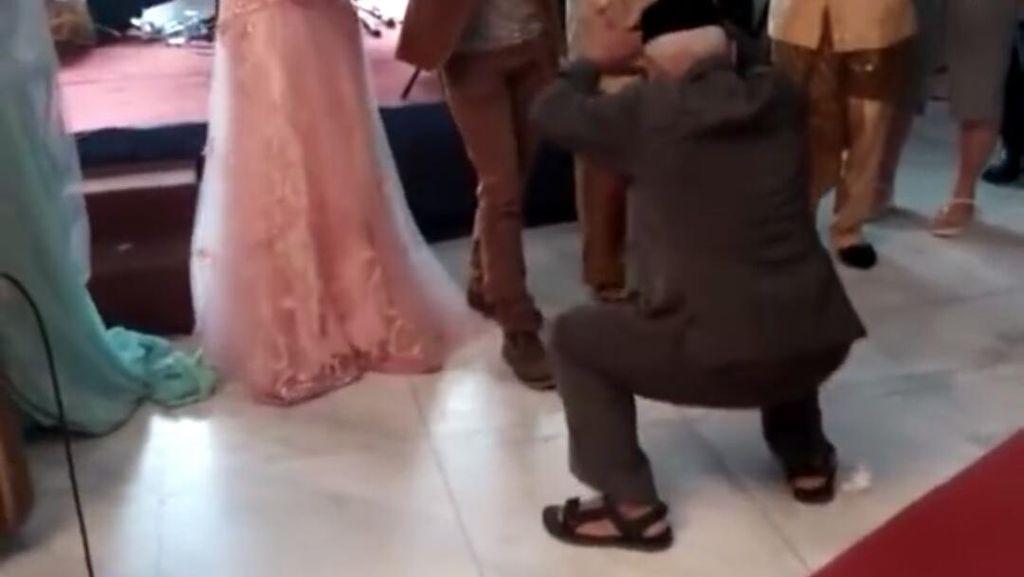 Video Kakek Goyang Dumang Viral di Medsos