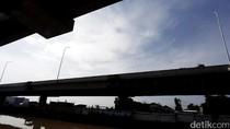 Tiang Penerangan Jalan di Tol Becakayu Telah Terpasang